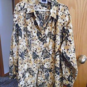 Maggie Barnes/ button down blouse